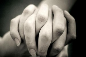 holding-hands-1418